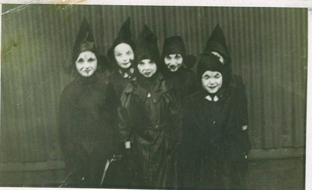 Children in Halloween costume.  sc 1 st  Catablogue - WordPress.com : 19th century halloween costumes  - Germanpascual.Com
